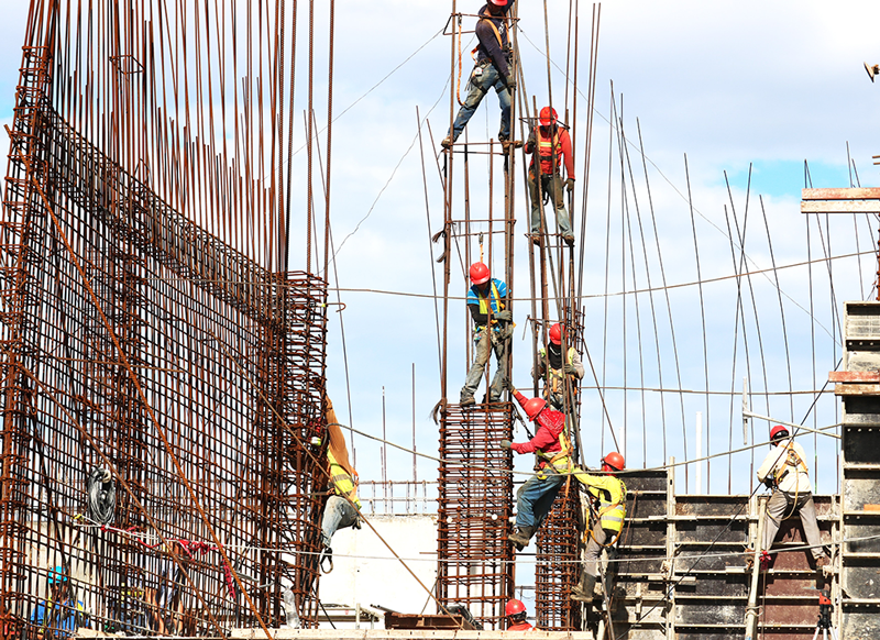 How Employee Recognition Can Address Construction's Labor Issues